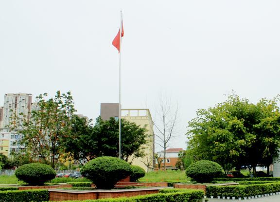 成都铁路学校花园广场图片