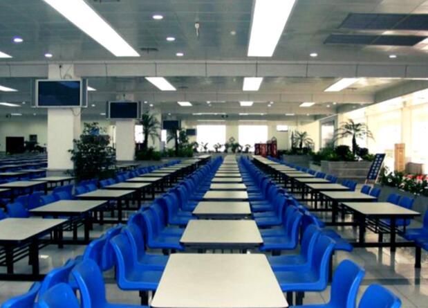 成都铁路学校食堂图片